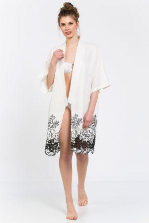 Beyaz Etekleri Siyah Nakışlı Keten Kimono